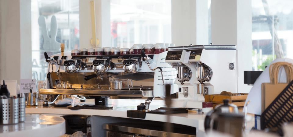 Kaffeevollautomaten für Hotels – Kriterien, die beim Kauf eine wichtige Rolle spielen