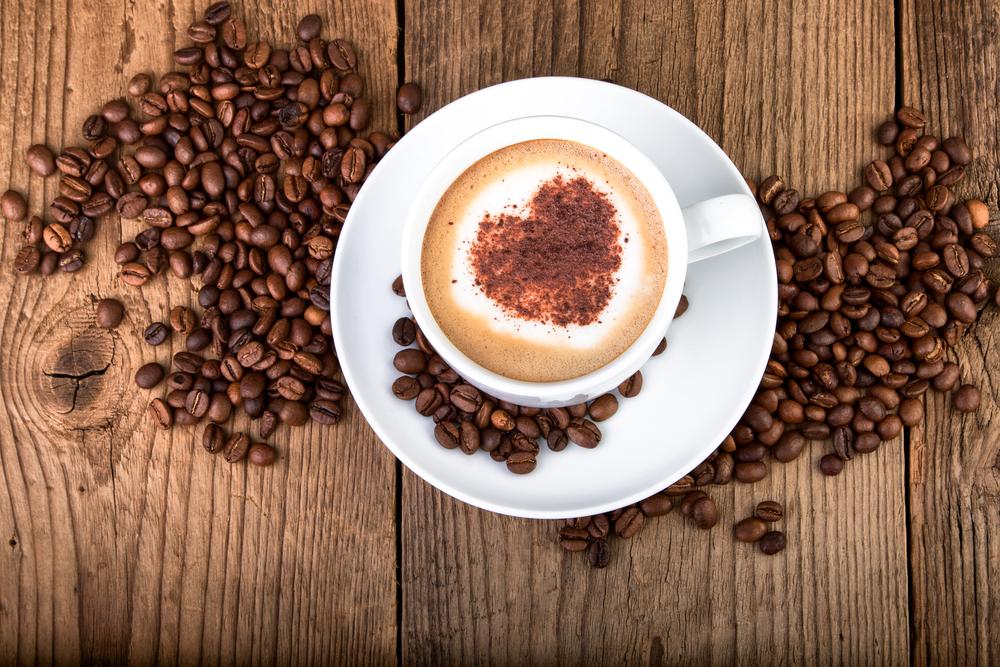 Frisch gemahlener Kaffee vom Kaffeevollautomaten